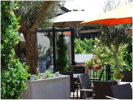Hostellerie Gilain Restaurant - Hôtel in Liroux (Dinant)