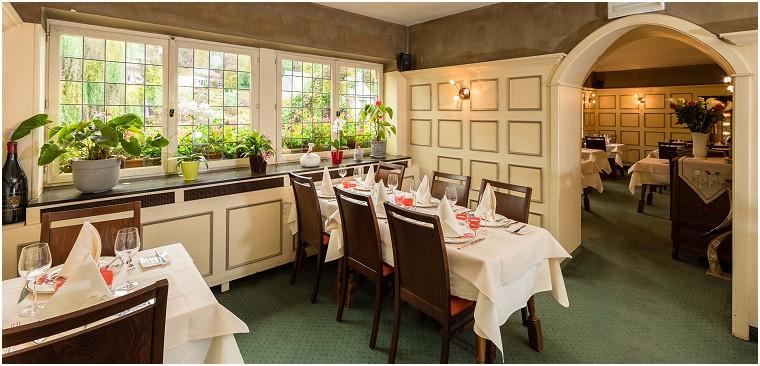 La Clochette Restaurant - Hôtel in Celles (Province de Namur)