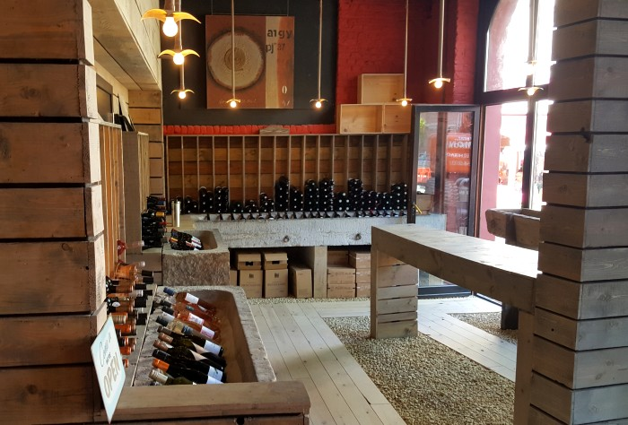 Photos du restaurant Les Restanques de Houx Bar à vins - Caviste à Dinant