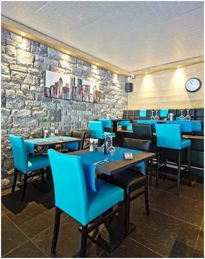 The River Restaurant - Burger - Hôtel in Durbuy