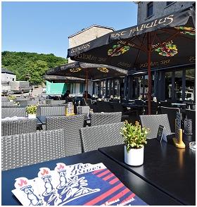 The River Restaurant - Burger - Hôtel à Durbuy