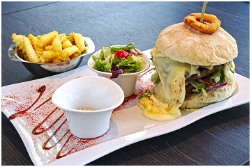 Foto's van restaurant The River Restaurant - Burger - Hôtel in Durbuy