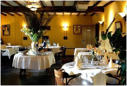 Les Caves du Château Hôtel - Restaurant gastronomique à Rendeux