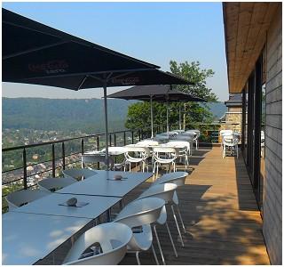 La Fête au Palais Restaurant - Hôtel in Lustin