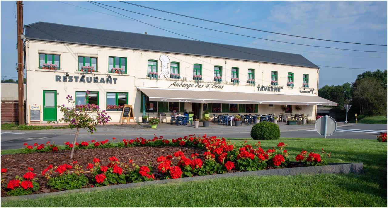 Auberge des Quatre Bras Restaurant - Taverne à Philippeville