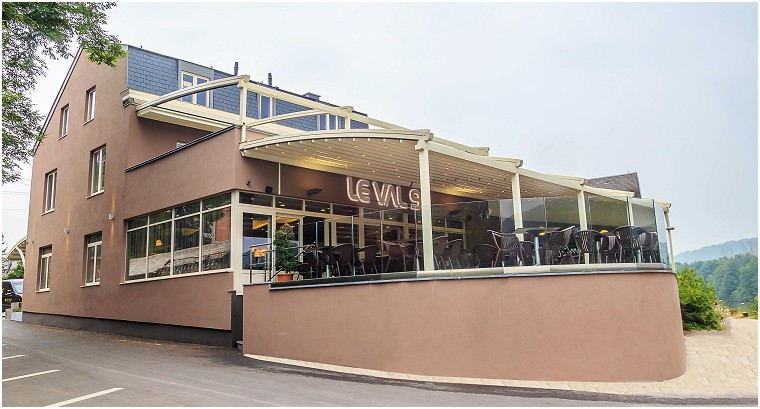 Photos du restaurant Le Val 9 Brasserie à Wépion
